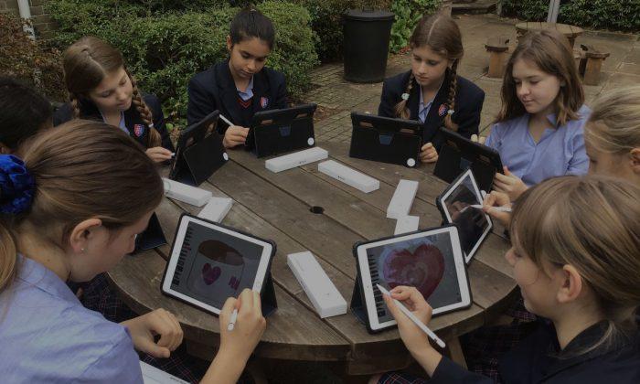 U3-Working-Outdoors-Apple-Pencils-iPads